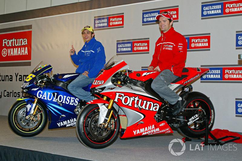 2004. Valentino Rossi et Carlos Checa