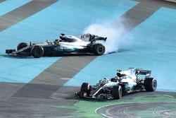 Race winner Valtteri Bottas, Mercedes-Benz F1 W08, second place Lewis Hamilton, Mercedes-Benz F1 W08