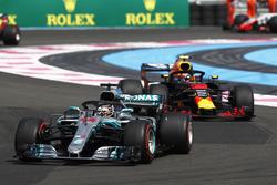 Arrancada Lewis Hamilton, Mercedes AMG F1 W09 líder