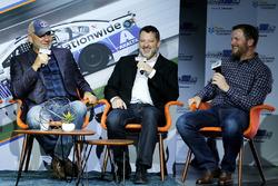 Dale Jarrett, Tony Stewart, Dale Earnhardt Jr., Hendrick Motorsports
