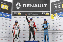 Podium: race winner Sacha Fenestraz, Tech 1 Racing; second place Lando Norris, Josef Kaufmann Racing; third place Max Defourny, R-ace GP