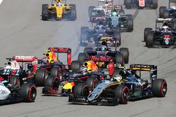 Arrancada choque con Sebastian Vettel, Ferrari SF16-H, Daniil Kvyat, Red Bull Racing RB12, Daniel Ri