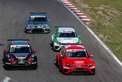 Benjamin Leuchter, Racing One, VW Golf GTI TCR; Kai Jordan, JBR Motorsport, VW Golf GTI TCR; Tom Lautenschlager, Liqui Moly Team Engstler, VW Golf GTI TCR