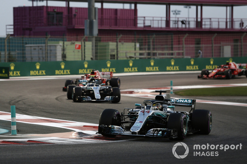 Lewis Hamilton, Mercedes AMG F1 W09 EQ Power+ leads Valtteri Bottas, Mercedes AMG F1 W09 EQ Power+, and Sebastian Vettel, Ferrari SF71H