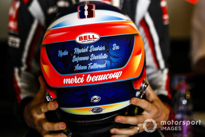 Romain Grosjean, Haas F1 Team, avec son casque