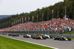 Romain Grosjean, Haas F1 Team VF-17, Jolyon Palmer, Renault Sport F1 Team RS17, Lance Stroll, Williams FW40, Felipe Massa, Williams FW40