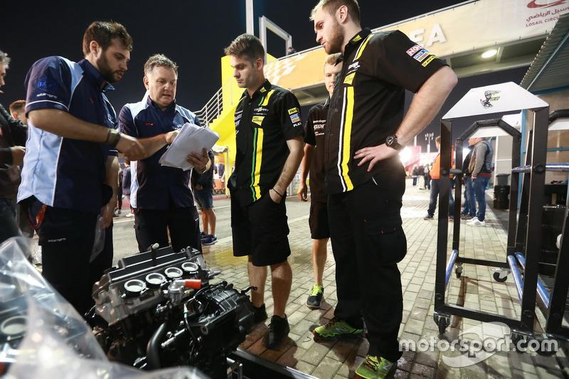 Trevor Morris, Motorentechniker, Extern Pro Moto2