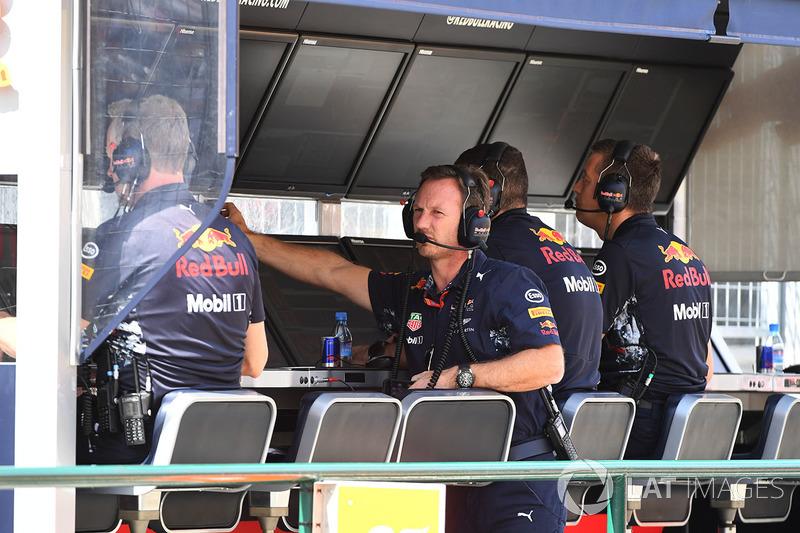 Christian Horner, director de Red Bull Racing RB13 Team Principal en el pit