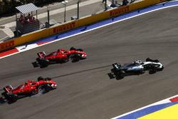 Valtteri Bottas, Mercedes AMG F1 W08; Sebastian Vettel, Ferrari SF70H; Kimi Räikkönen, Ferrari SF70H