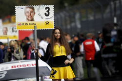 Gridgirl für Paul Di Resta, Mercedes-AMG Team HWA, Mercedes-AMG C63 DTM
