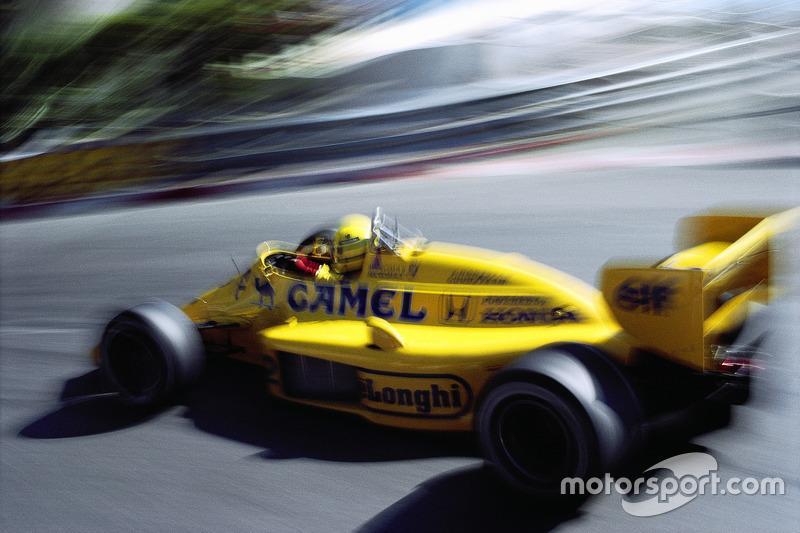 Race winnaar Ayrton Senna op Lotus-Honda