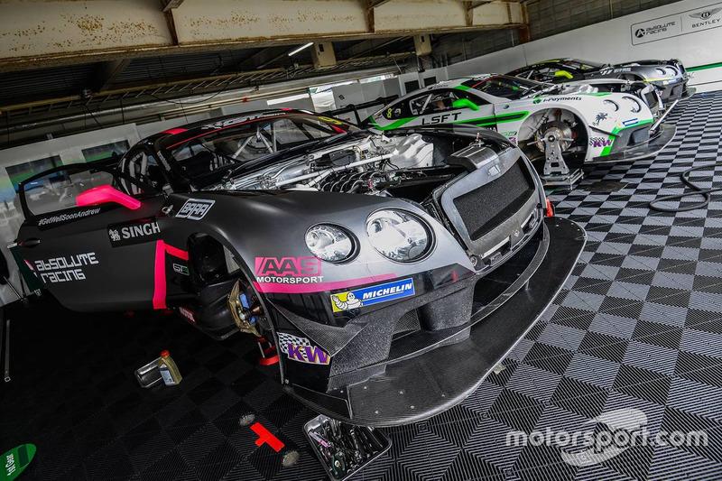 Absolute Racing garajı