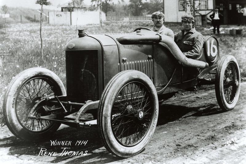 1914: Рене Тома