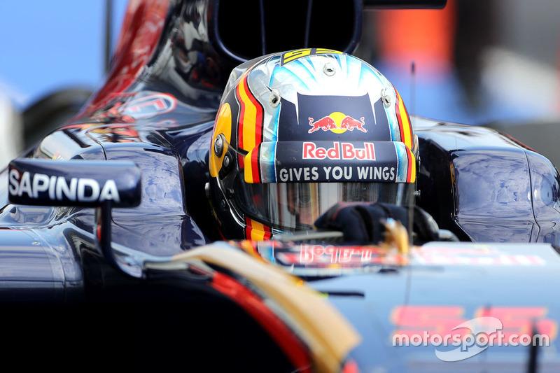 Carlos Sainz., Scuderia Toro Rosso