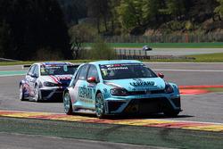 Стефано Комини, Leopard Racing, Volkswagen Golf GTI TCR и Михаил Грачев, Engstler MS, Volkswagen Golf GTI TCR