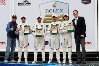 #25 BMW Team RLL BMW M8 GTE, GTLM: Augusto Farfus, Connor De Phillippi, Philipp Eng, Colton Herta, sur le podium