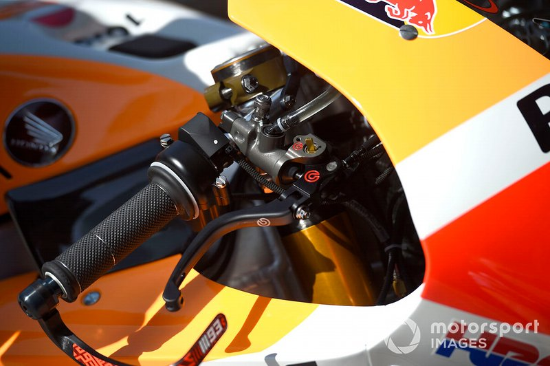 Honda RC213V: Lenker