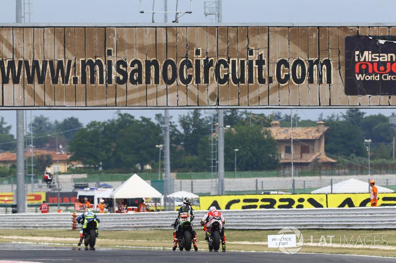 Jonathan Rea, Kawasaki Racing, Lorenzo Savadori, Milwaukee Aprilia