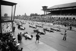 Start zum GP Deutschland 1966 auf dem Nürburgring