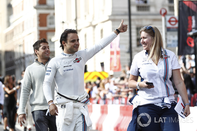 Felipe Massa, Williams, gives a thumbs up to the crowds