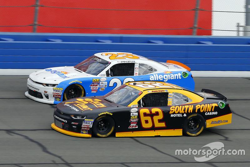 Brendan Gaughan, Richard Childress Racing Chevrolet y Spencer Gallagher, GMS Racing Chevrolet