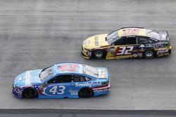 Regan Smith, Richard Petty Motorsports Ford Matt DiBenedetto, Go Fas Racing Ford