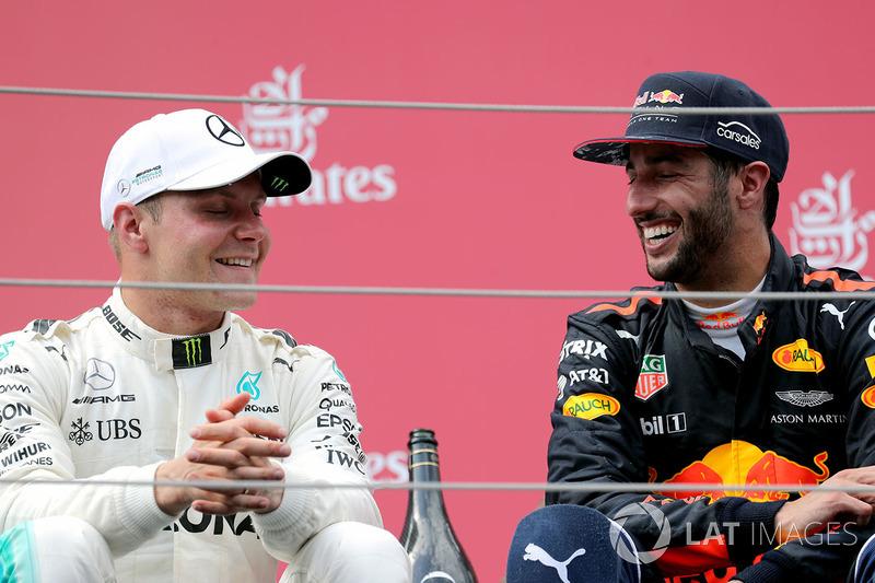 Подиум: победитель Валттери Боттас, Mercedes AMG F1, третье место – Даниэль Риккардо, Red Bull Racin