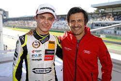 Lando Norris, Carlin Dallara F317 - Volkswagen met Stéphane  Ortelli