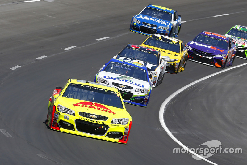 Dale Earnhardt Jr., Hendrick Motorsports, Chevrolet; Ty Dillon, Germain Racing, Chevrolet