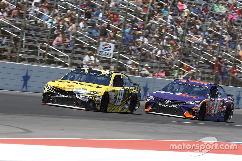 Daniel Suárez, Joe Gibbs Racing, Toyota; Denny Hamlin, Joe Gibbs Racing, Toyota