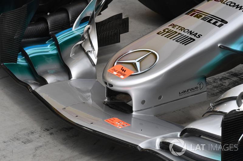 Mercedes-Benz F1 W08 Hybrid nariz, detalle de ala delantera
