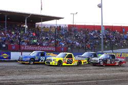 Chase Briscoe, Brad Keselowski Racing Ford and Matt Crafton, ThorSport Racing Toyota green flag start