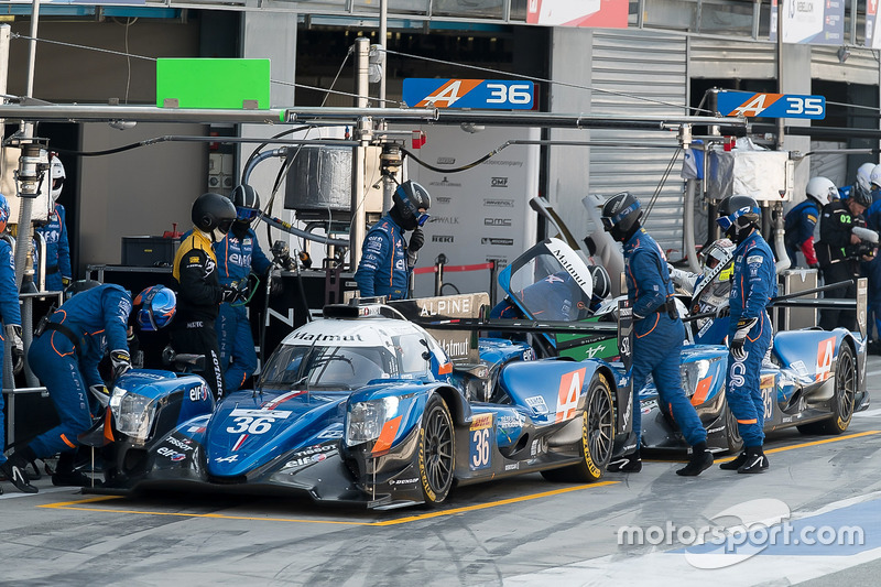 #36 Signatech Alpine A470 Gibson: Gustavo Menezes, Romain Dumas, Matt Rao, #35 Signatech Alpine A470 Gibson: Nelson Panciatici, Pierre Ragues, Andre Negrao