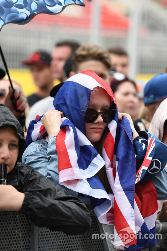 Fan and Union flag