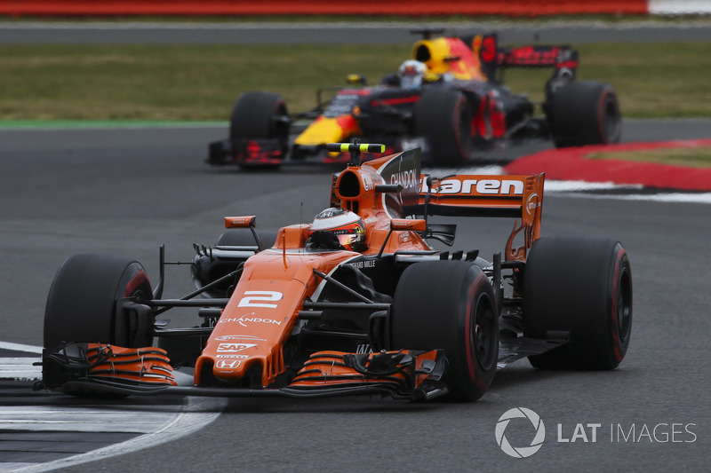 Стоффель Вандорн, McLaren MCL32, Даніель Ріккардо, Red Bull Racing RB13