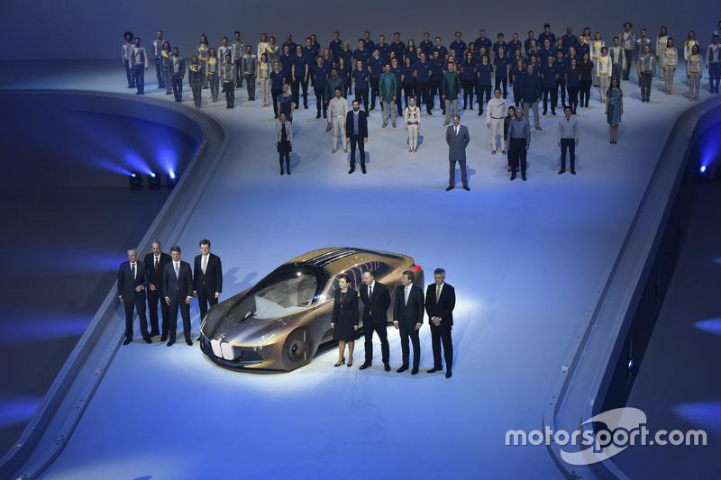 100 Jahre BMW, Olympiahalle München