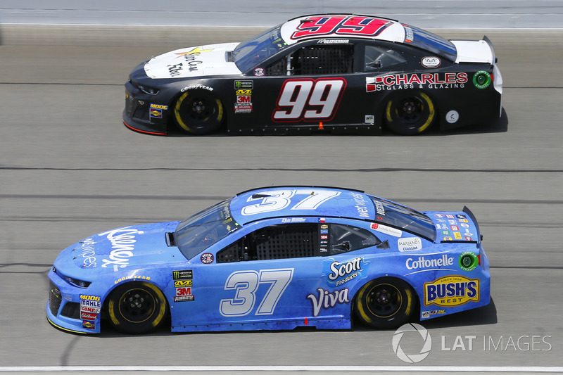 Chris Buescher, JTG Daugherty Racing, Chevrolet Camaro Kleenex Wet Wipes e Kyle Weatherman, StarCom Racing, Chevrolet Camaro