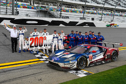 #66 Chip Ganassi Racing Ford GT, GTLM: Dirk Müller, Joey Hand, Sébastien Bourdais, #67 Chip Ganassi Racing Ford GT, GTLM: Ryan Briscoe, Richard Westbrook, Scott Dixon celebrate their 1-2 finish