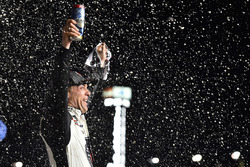 Kevin Harvick, Stewart-Haas Racing, Jimmy John's Ford Fusion celebrates in victory lane
