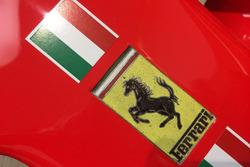 Le logo Ferrari sur la SF70H