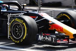 Daniel Ricciardo, Red Bull Racing RB14 with aewro sensors