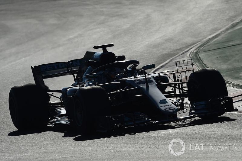 Lewis Hamilton, Mercedes-AMG F1 W09 with aero sensors