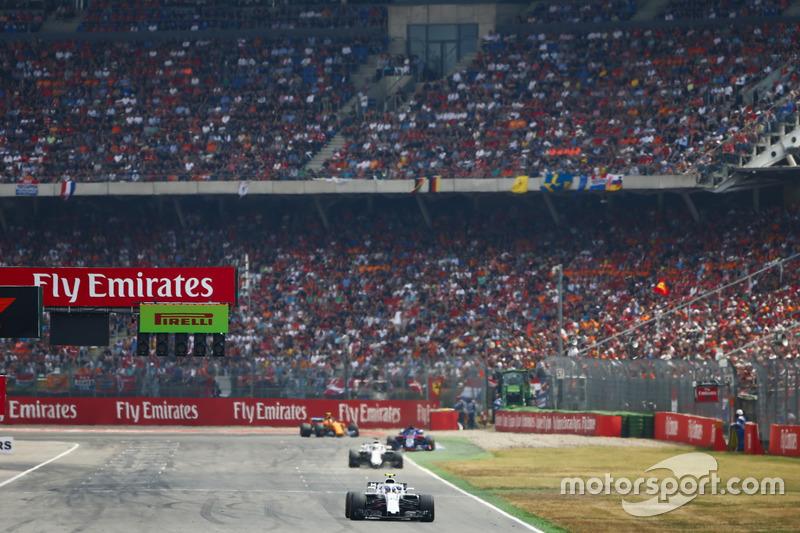 Sergey Sirotkin, Williams FW41, Lance Stroll, Williams FW41