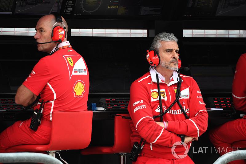 Jock Clear, Chief Engineer Ferrari e Maurizio Arrivabene, Team Principal Ferrari