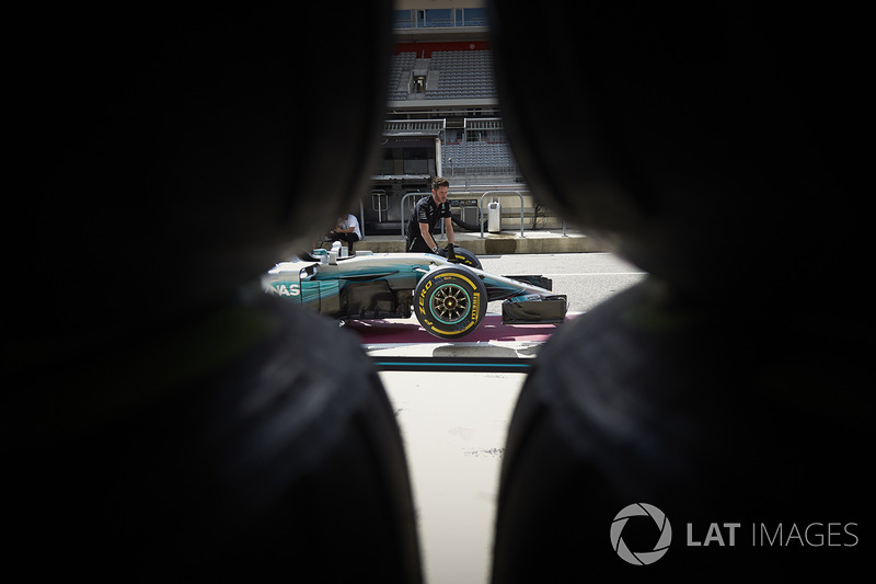 Механіки Mercedes, Mercedes AMG F1 W08