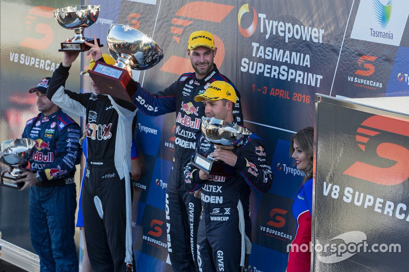 Podium: 1. Shane van Gisbergen, Triple Eight Race Engineering, Holden; 2. Jamie Whincup, Triple Eigh