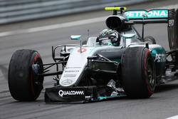 Нико Росберг, Mercedes AMG F1 со сломанным передним антикрылом