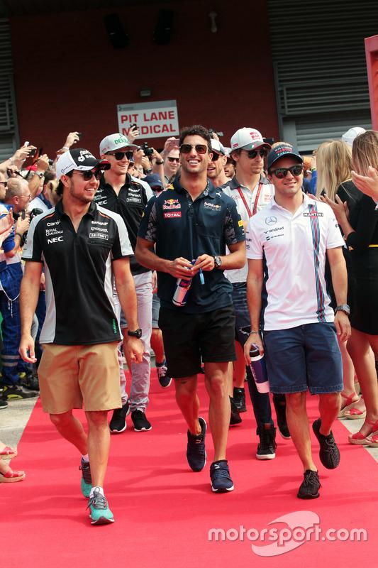 (Da sx a dx): Sergio Perez, Sahara Force India F1 con Daniel Ricciardo, Red Bull Racing e Felipe Mas