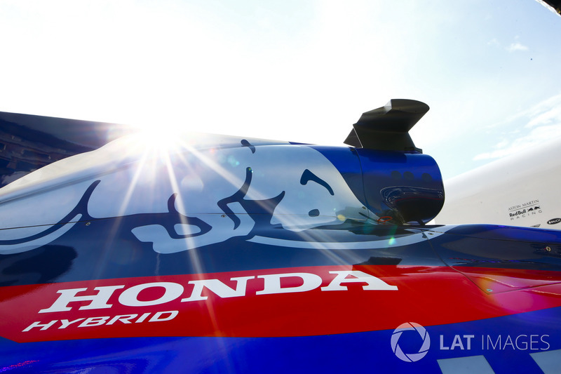 A Honda logo on the bodywork of a Toro Rosso