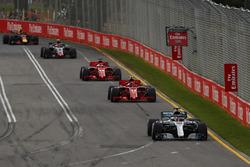 Льюис Хэмилтон, Mercedes AMG F1 W09, Кими Райкконен и Себастьян Феттель, Ferrari SF71H, Кевин Магнуссен, Haas F1 Team VF-18, и Макс Ферстаппен, Red Bull Racing RB14